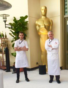 Oscars 2016 HTS und Peter Oscarstatue groß